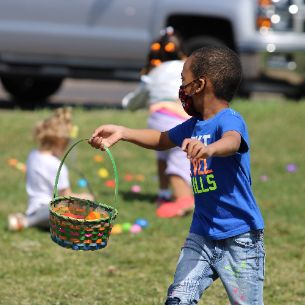 Photo Gallery: HES, HECC Spring Holiday Activities
