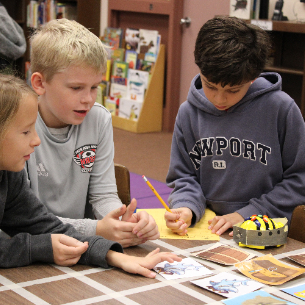 HES Students Use Bee Bots & Books in Collaborative Activity