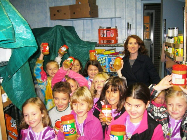 Girl Scouts at the Local Food Bank
